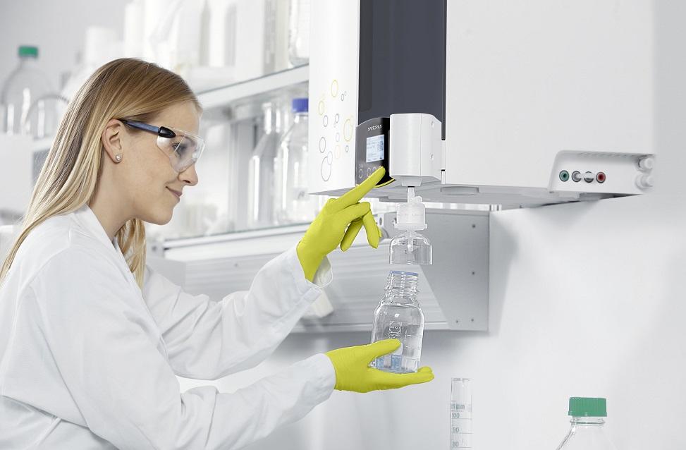 laboratorny destilator vody
